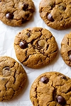 ROUND COOCKIE CHOCOLATE CHIPS/ALMONDS  4 pieces